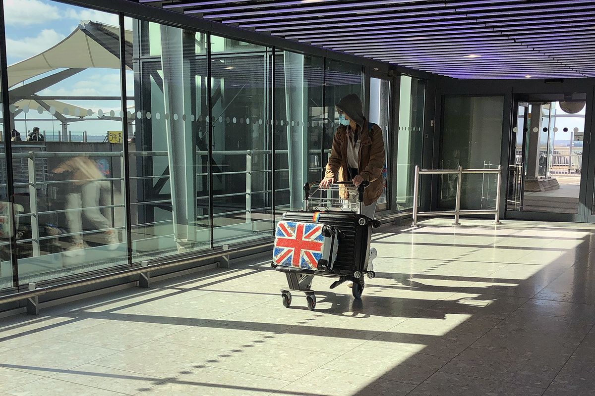 U.K. Signals Overseas Travel Limits Will Remain as Covid Spreads