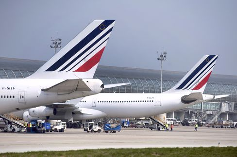 Air France Deepens Capital Spending Cuts in Push to Pare Debt