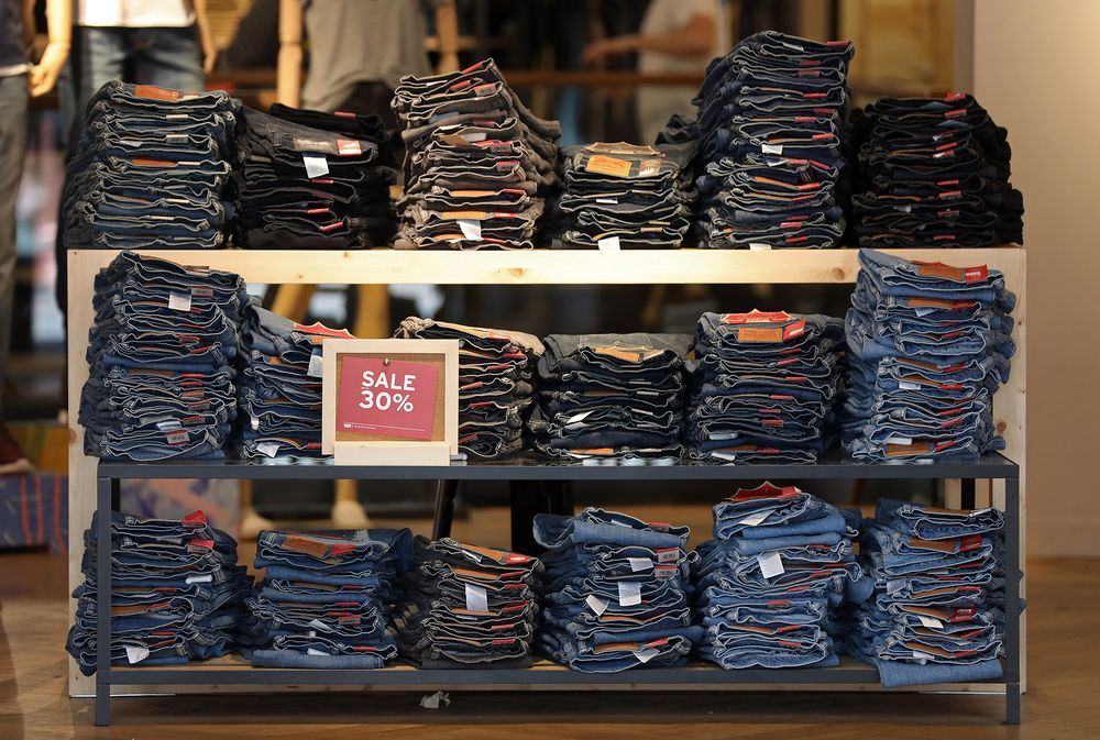 0bc99f1462 A  2.5 Billion Blue Jeans Fortune Emerges With Levi s IPO Plan ...