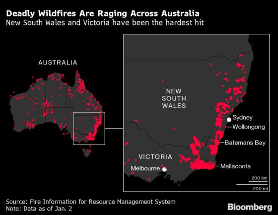 Australia Wildfires Trigger Exodus as Navy Joins Rescue Effort