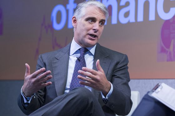 Orcel, Gallia Face Off in Race to Replace UniCredit CEO Mustier