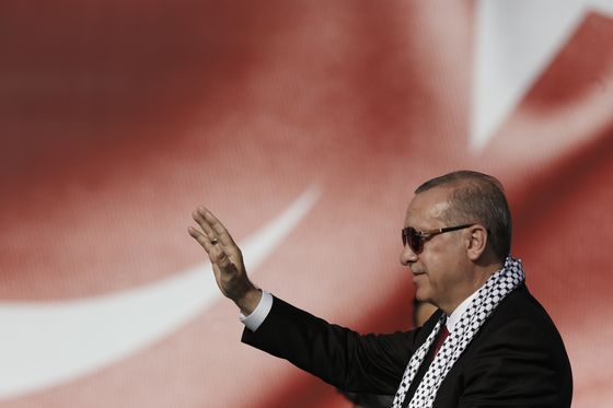 Erdogan Vows to `Deal' With Interest Rates After Vote, AA Says