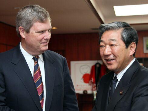 Tom Vilsac meets with Hirotaka Akamatsu