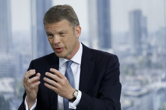 Deutsche Bank CEO Opens Door to Deals After Profit Gain