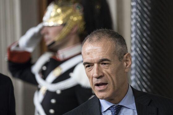 Italy's `Mr Scissors' Cottarelli Thrust Into Anti-Populist Role