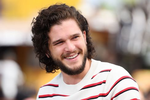 As long as actor Kit Harington doesn't shave his famous beard this summer, there's hope that his Games of Thrones character Jon Snow lives to see season six.