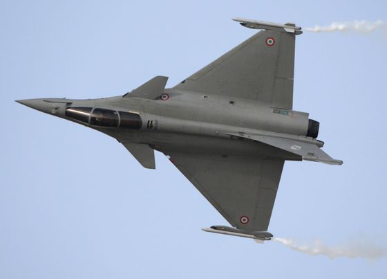 India Top Court Seeks Pricing Details on French Warplane Deal