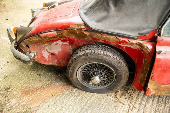 This Crumpled, Derelict Jaguar Sold for Six Times Its Value