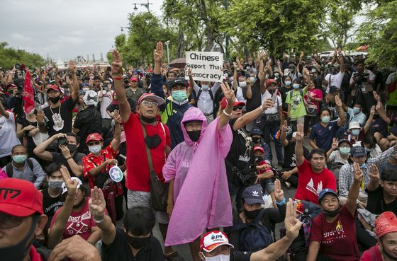 Tens of Thousands Join Anti-Government Rally in Thai Capital