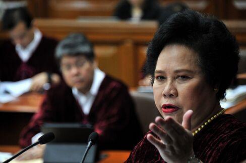 Senator Miriam Defensor Santiago.