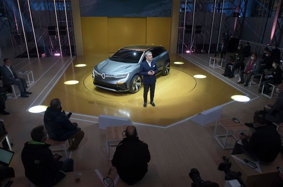 Auto Shows Are Back and CEOs Have Wheeling-and-Dealing to Do