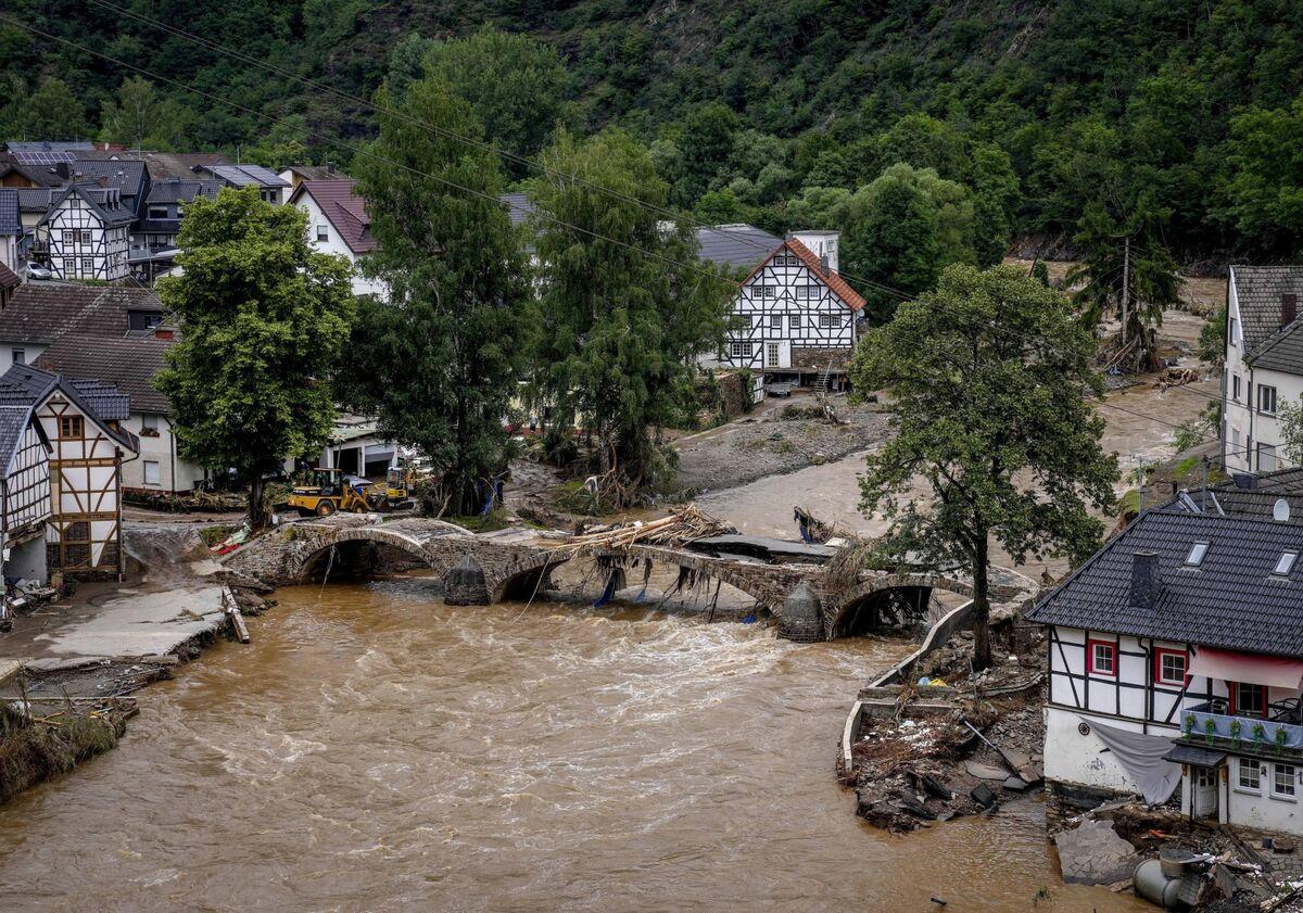 Photos: German Floods Show Devastation - Bloomberg