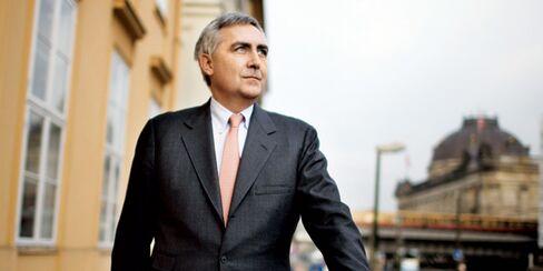 Siemens CEO L??scher Looks to the Future