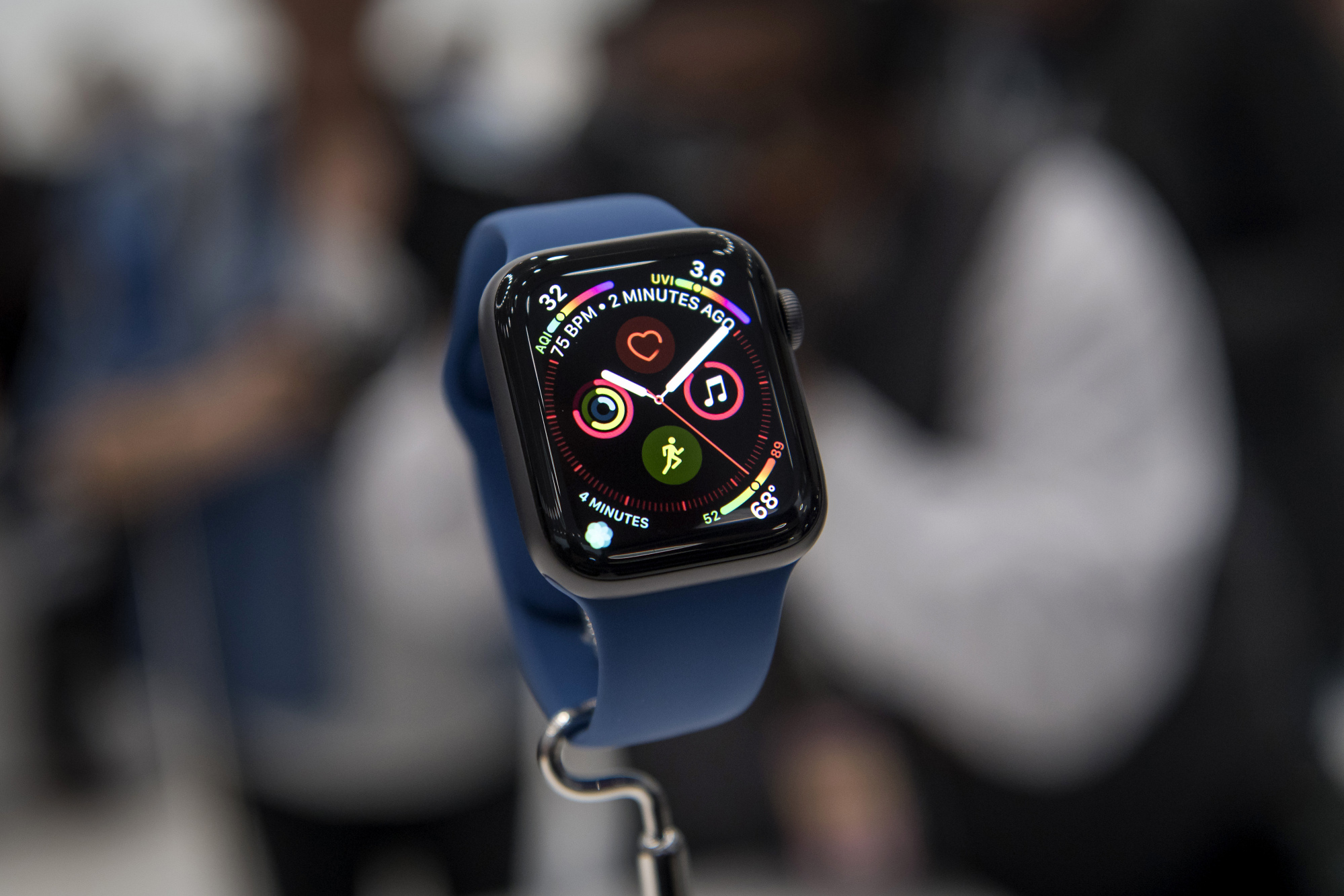 Apple Watch Should Pave Way for More Medical Gadgets, FDA Says