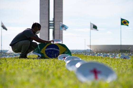Rich Brazilians Urge Government to Let Them Buy Vaccines to Help