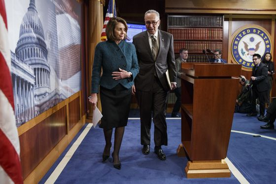 Trump Plans Tuesday Meeting With Pelosi and Schumer, Source Says