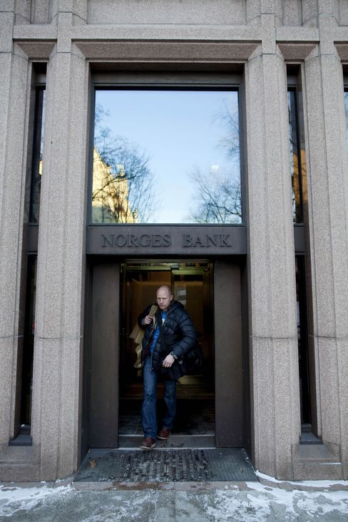 Norway Cuts Main Rate by 0.5% Point