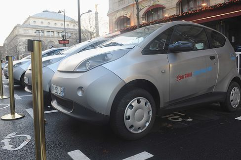 Car-Sharing Services Take Paris by Storm