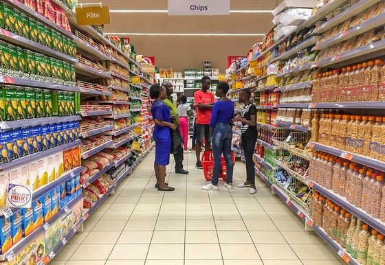 Carrefour Lures West Africa Shoppers From Markets Into Malls