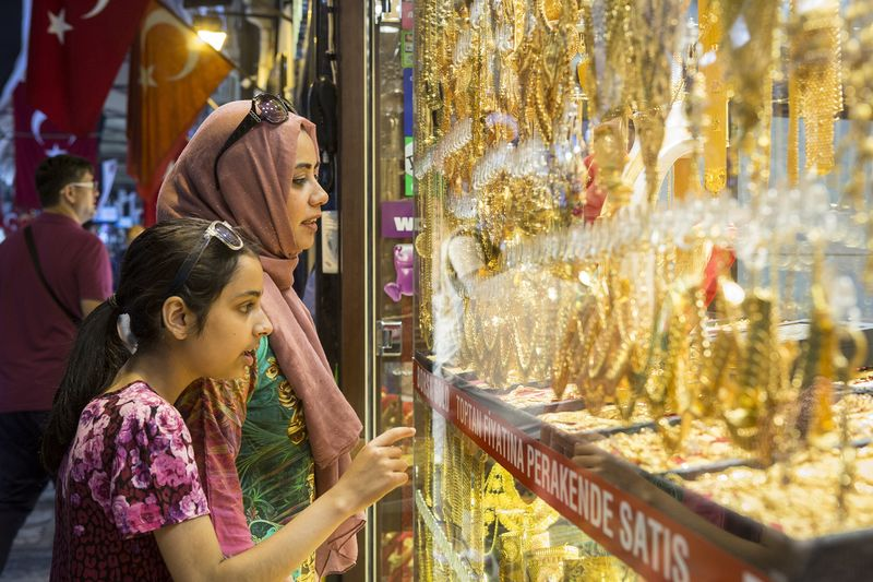 Turkey's Election Angst Is Driving Up Demand for Gold Coins