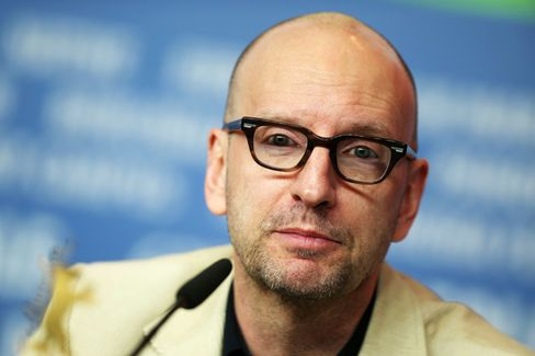 Steven Soderbergh Wants to Sell You T-Shirts