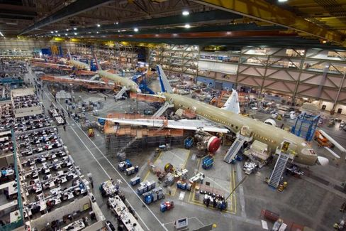 Boeing Has a New 787 Dreamliner Headache With Wing Cracks