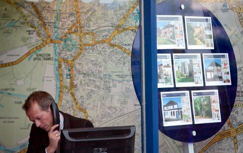 U.K. Will Make Landlords Check Immigration Status of Tenants