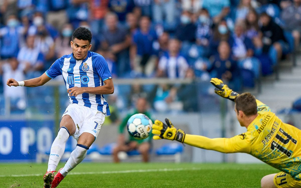 FC Porto Considers Stake Sale After Receiving Interest