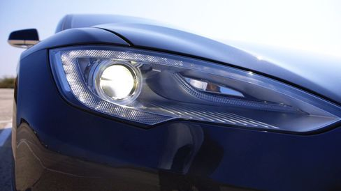The P90D incorporates active daytime running LED headlamps.