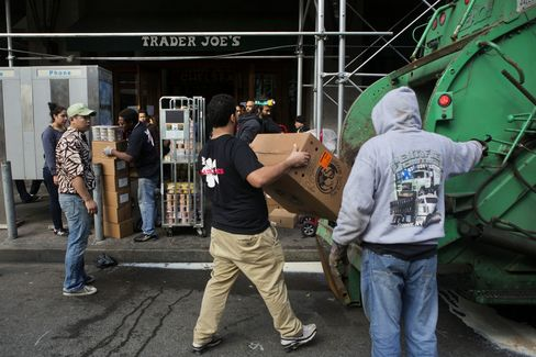 Trader Joe's Sends Part-Timers to Obama Exchanges for Insurance