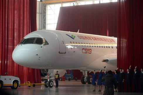 China's COMAC lands new plane orders