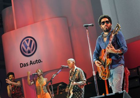 Lenny Kravitz performs during the 2016 Volkswagon Passat Unveiling at the Duggal Greenhouse on in New York.