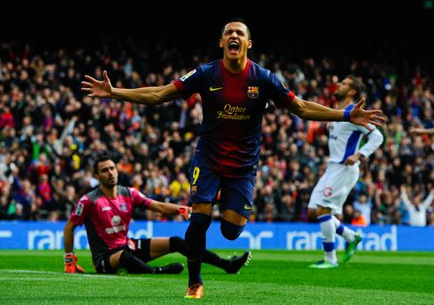 Barcelona Goes 12 Points Clear After 6-1 Rout; Inter Milan Wins