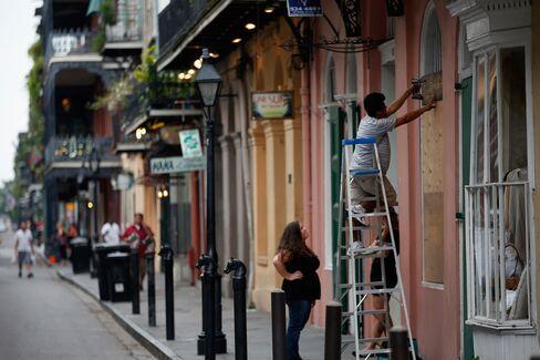 Gulf Coast Battens Down as Isaac Revives Memories of Katrina