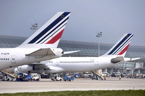 Air France Said to Mull Sale of Servair Inflight-Catering Unit
