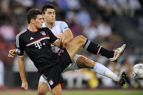Bayern, Villarreal Advance in Champions League