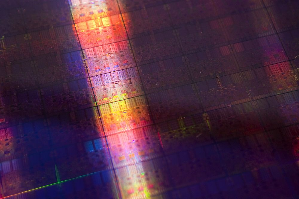 Why Can't China Make Semiconductors? - Bloomberg