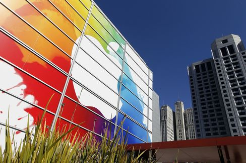 Apple Drives Silicon Valley's Biggest Leasing Boom Since 2000