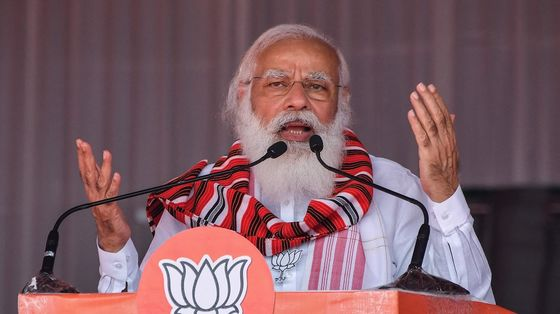 Modi Fights Pressure to Lock Down India as Virus Deaths Rise