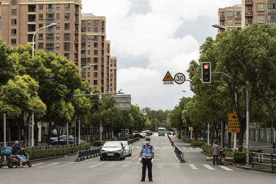 China's Traffic Thins in Some Cities as Virus Threatens Oil Use