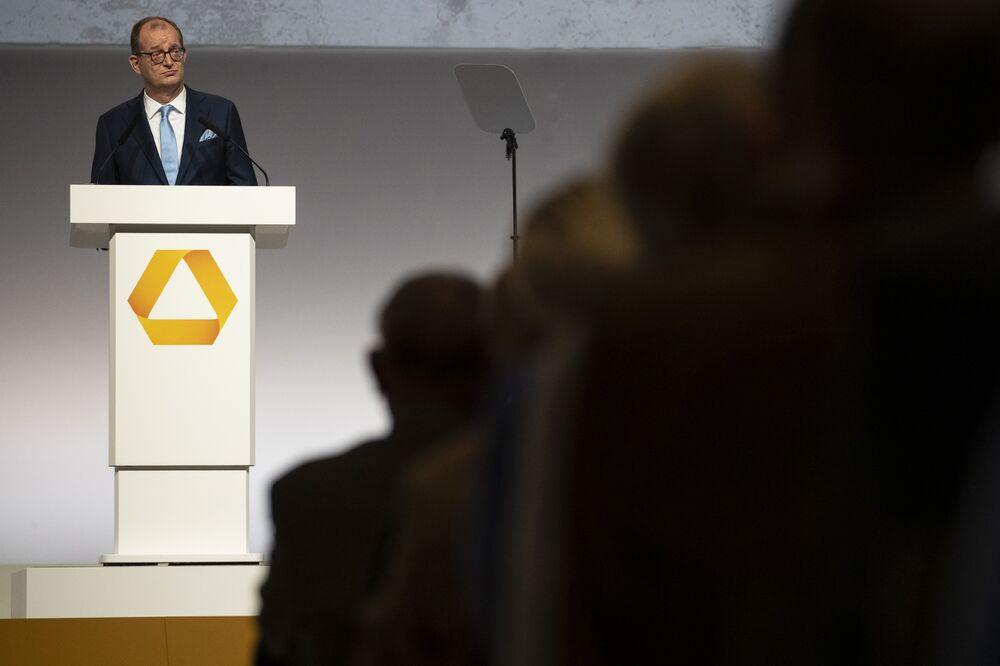 Commerzbank CEO Zielke Reopens Door to M&A in Quest for Growth