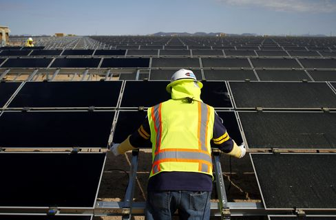 Solar Industry Cuts Workers Amid Renewable-Energy Shakeout