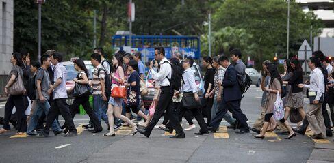 Hong Kong, Vietnam Signal Slowing Growth as Global Risks Build
