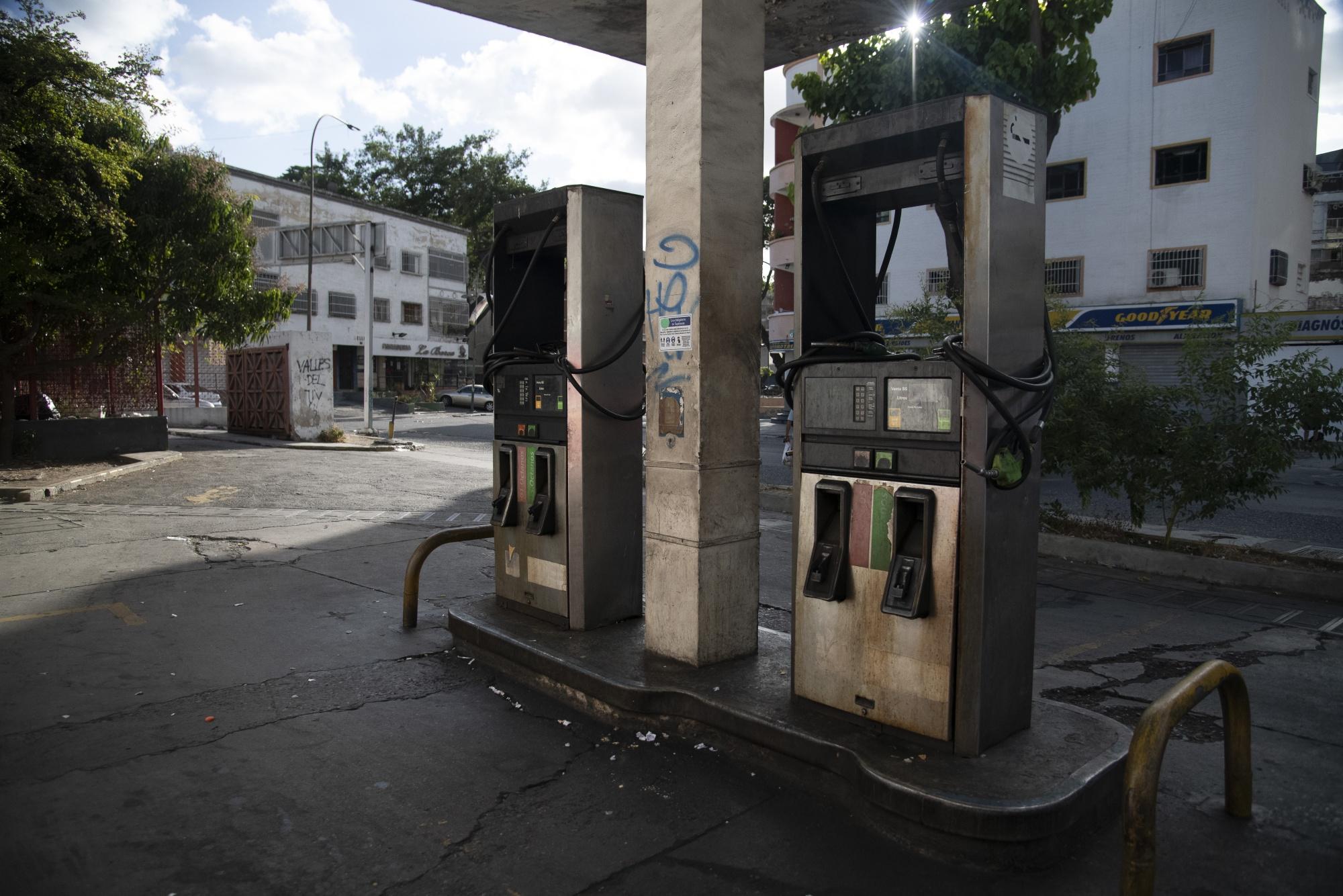 Fuera del dinero y el combustible, Venezuela tiene más de cien estaciones de servicio.