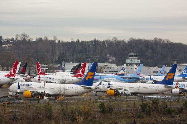 Boeing ferma 737 Uscita massima per risparmiare denaro durante la messa a terra