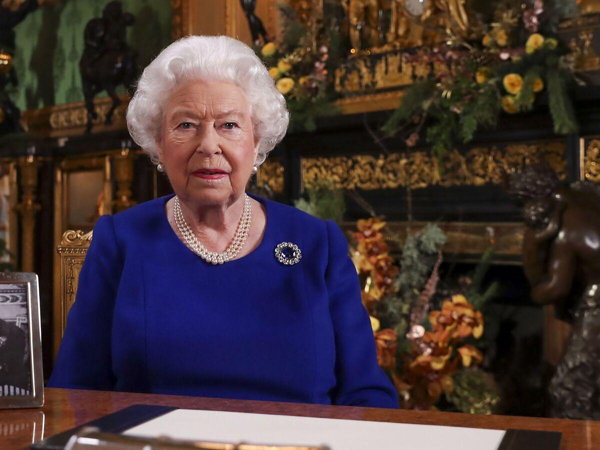 Queen Elizabeth Recalls Wartime Sacrifices and Urges U.K. to Show Strength