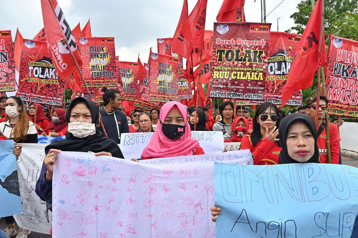 Jokowi's Zeal for Reform in Indonesia Tested by Labor Protests