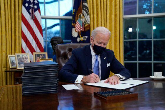 Trump's Last-Minute Climate Maneuvers Face a SlowDead End