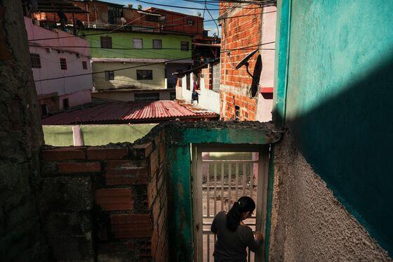 Venezuelan Refugees Send Billions Back Home, Helping the Lucky Survive