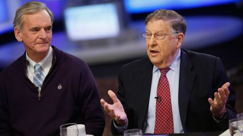 Former New Hampshire Senator Judd Gregg (left) and former Governor John H. Sununu take questions at a Bloomberg Politics breakfast briefing in Manchester, New Hampshire, on Feb. 9, 2016.